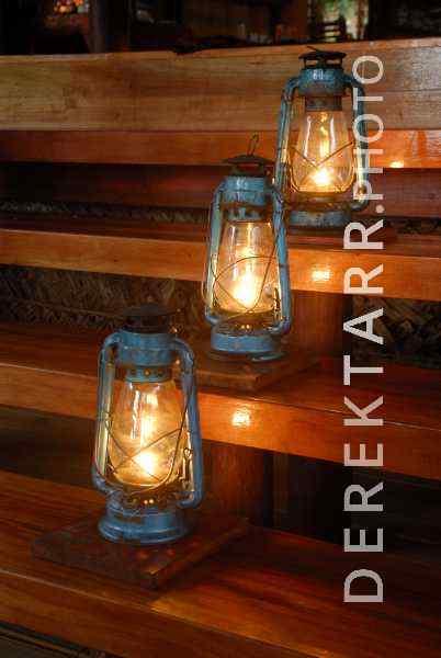 Lanterns on the Main Bure Steps